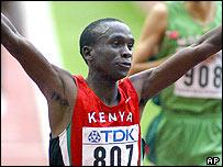 Eliud Kipchoge wins the 5,000m for Kenya