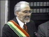 Newly sworn-in Bolivian President Carlos Mesa