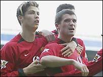Man Utd captain Roy Keane scores the winner