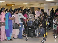 Sri Lankan maids at Colombo airport (file pic)