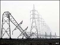 Iraqi electric pylons destroyed near Basra
