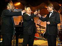 The LA Philharmonic's Esa-Pekka Salonen, right, with acoustician Yasuhisa Toyota, left, and architect Frank Gehry