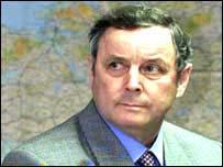 John De Chastelain heads Decommissioning Commission