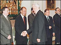 President Boris Yelstin in 1998 with business tycoons, including Vladimir Gusinsky, first from left, and Mikhail Khodorkovsky, first from right.