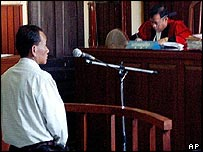 Chhouk Rin in court, 2003