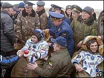 Russian cosmonaut Yuri Malenchenko (left) and Spanish astronaut Pedro Duque shortly after landing in Kazakstan, 28 October 2003