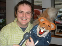 Basil Brush with BBC News Online's Smyth Harper