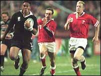 Jonah Lomu in action against Wales in 1995