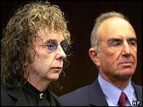Phil Spector (L) and Robert Shapiro outside the Alhambra courthouse