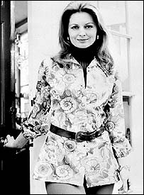 Sandra Paul wearing a Brettles Autumn/Winter pen and ink print long shirt in 1972