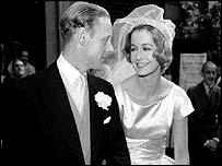Sandra Paul at her marriage to jazz pianist Robin Douglas-Home in 1959