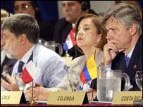 Los ministros Celso Amorim, de Brasil, Soledad Alvear, de Chile, y Jorge Humberto Botero, de Colombia.