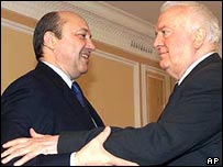 Russian Foreign Minister Igor Ivanov (left) and former Georgian President Eduard Shevardnadze