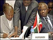 Rebel leader Pierre Nkurunziza (l) and President Domitien Ndayizeye (r)