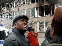 У сгоревшего общежития