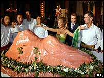 Princess Camilla/giant cake at gala dinner