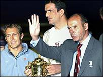 Jonny Wilkinson (l), Martin Johnson (c), Clive Woodward (r)