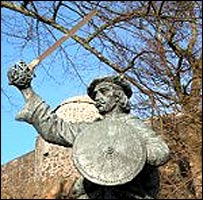 Statue of Rob Roy MacGregor - Undiscovered Scotland