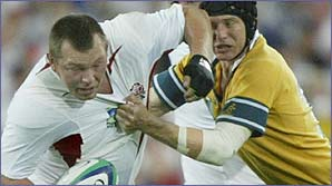 Steve Thompson on the charge for England against Australia