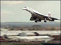 Concorde coming in to land over Filton, Bristol