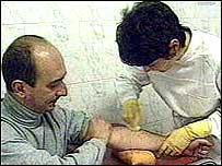Tratamiento m�dico de un paciente con VIH en Rusia