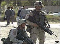 US troops patrolling suburb in Baghdad