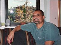Wilfrido Aguilar en su residencia