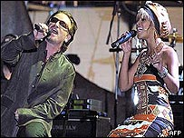 Bono y Beyonce cantaron American Player juntos.