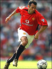 Ryan Giggs sets off on a dribble