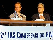 Conferencia sobre el SIDA en París.