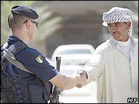 Carabiniere meets Iraqi