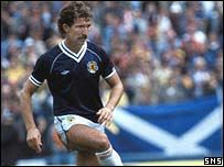 Graeme Souness in action for Scotland