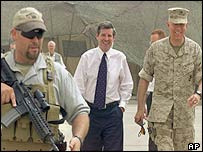 Paul Bremer (centre) in Baghdad