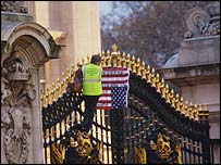 Lindis Percy on Buckingham Palace gates