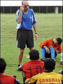 Stephen Constantine talks to his India players