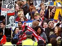 Demonstrators outside Buckingham Palace