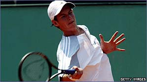 Andy Murray smashes another forehand winner down the line
