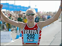 Paula Radcliffe wins the Great North Run