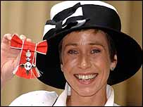 Jane Tomlinson with her MBE