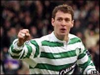 Chris Sutton celebrates the opening goal