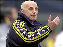Arrigo Sacchi ahora se gana la vida como asesor deportivo y periodista.