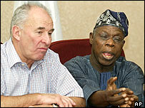 Commonwealth Secretary General Don McKinnon [left] with Nigerian President Olusegun Obasanjo at press conference