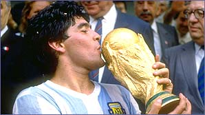 Maradona lifts the 1986 World Cup
