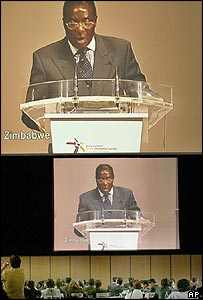 Mugabe speaking at the World Summit on the Information Society in Switzerland