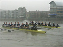 Oxford's trial race passes the flats before Hammersmith