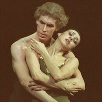 Nina Ananiashvili with Dmitri Belogolovtsev in Green