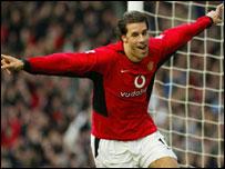 Van Nistelrooy celebrates his goal