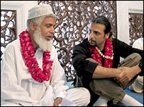 Salman Ahmad at the shrine of Mian Mir Sufi, Lahore