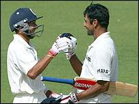 Agarkar and Dravid come together as victory is secured