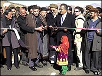 President Karzai reopens the Kabul-Kandahar highway